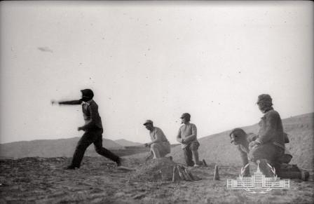 1940 Grenade